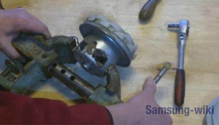 Как разобрать двигатель пылесоса Samsung